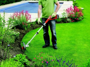 Utilisation coupe-herbe Black and Decker GLC3630L20
