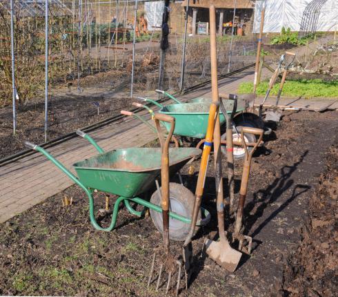 Outils pour la préparation du sol du potager