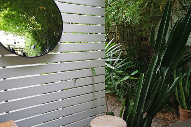 Installer des miroirs dans un petit jardin